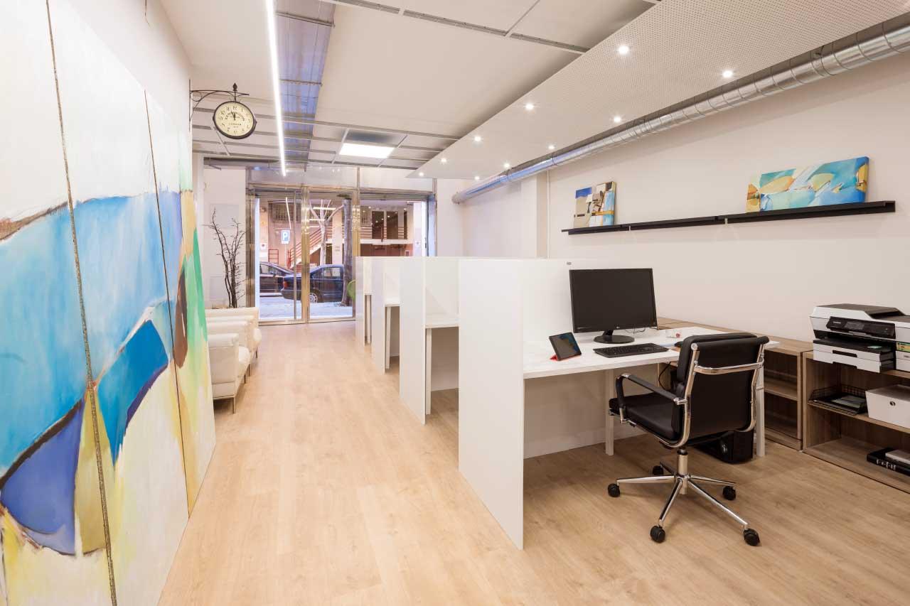 Cwork espacio de coworking y oficinas compartidas en for Oficinas aguas de barcelona